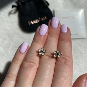 PANDORA 🌸 Flower 🌸 Stud Earrings Silver 925